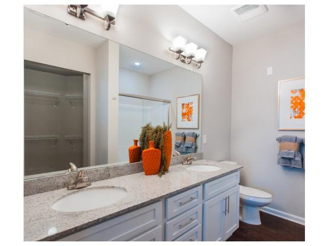 Spacious Bathroom | Kansas City Apartments | Prairie View at Village West