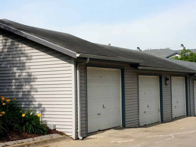 Image of Garages available for The Fountains Apartments