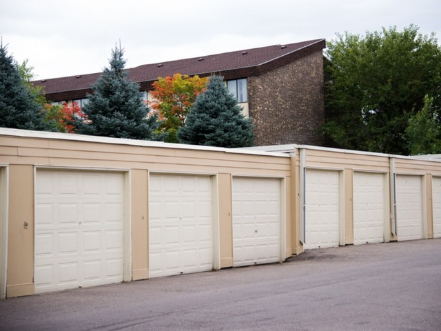 Image of Garages available for The Pines of Burnsville