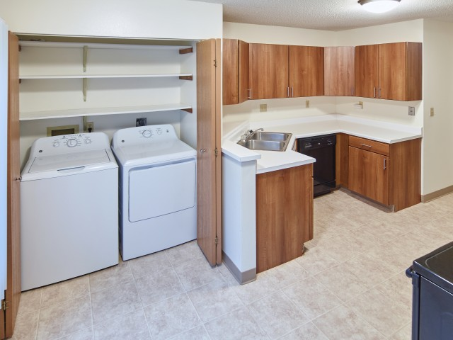 Image of Full-size Washer & Dryer in Home for Mequon Trail TH