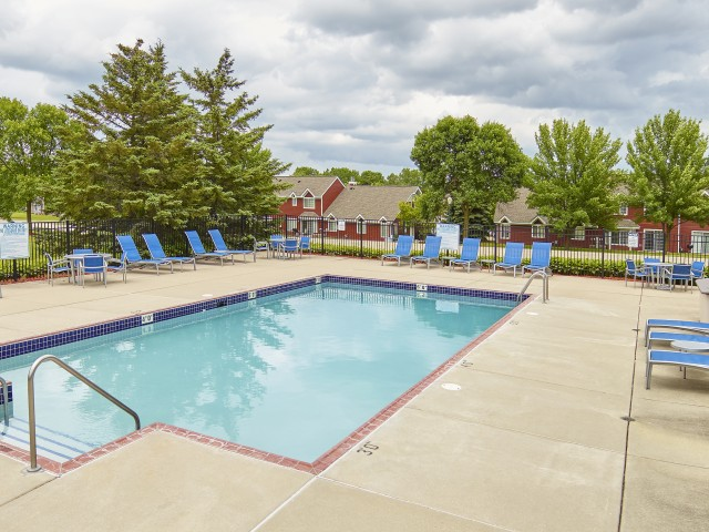 Image of Outdoor heated swimming pool with sundeck for Mequon Trail TH