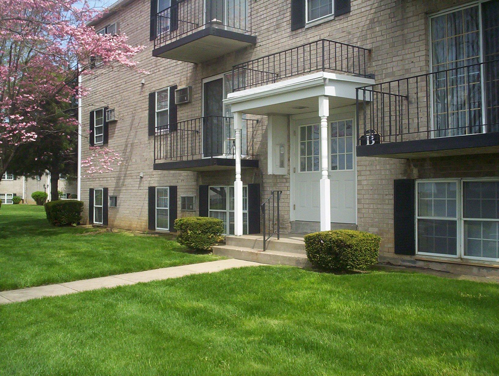 apartments in northeast philadelphia canterbury court