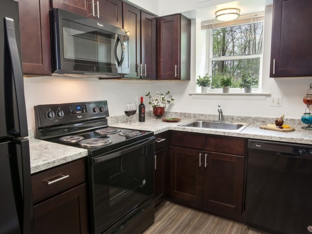 Modern Kitchen | Apartments In Newark DE | Liberty Pointe