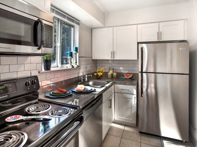 Modern Kitchen | Apartments In Flanders NJ | Overlook at Flanders