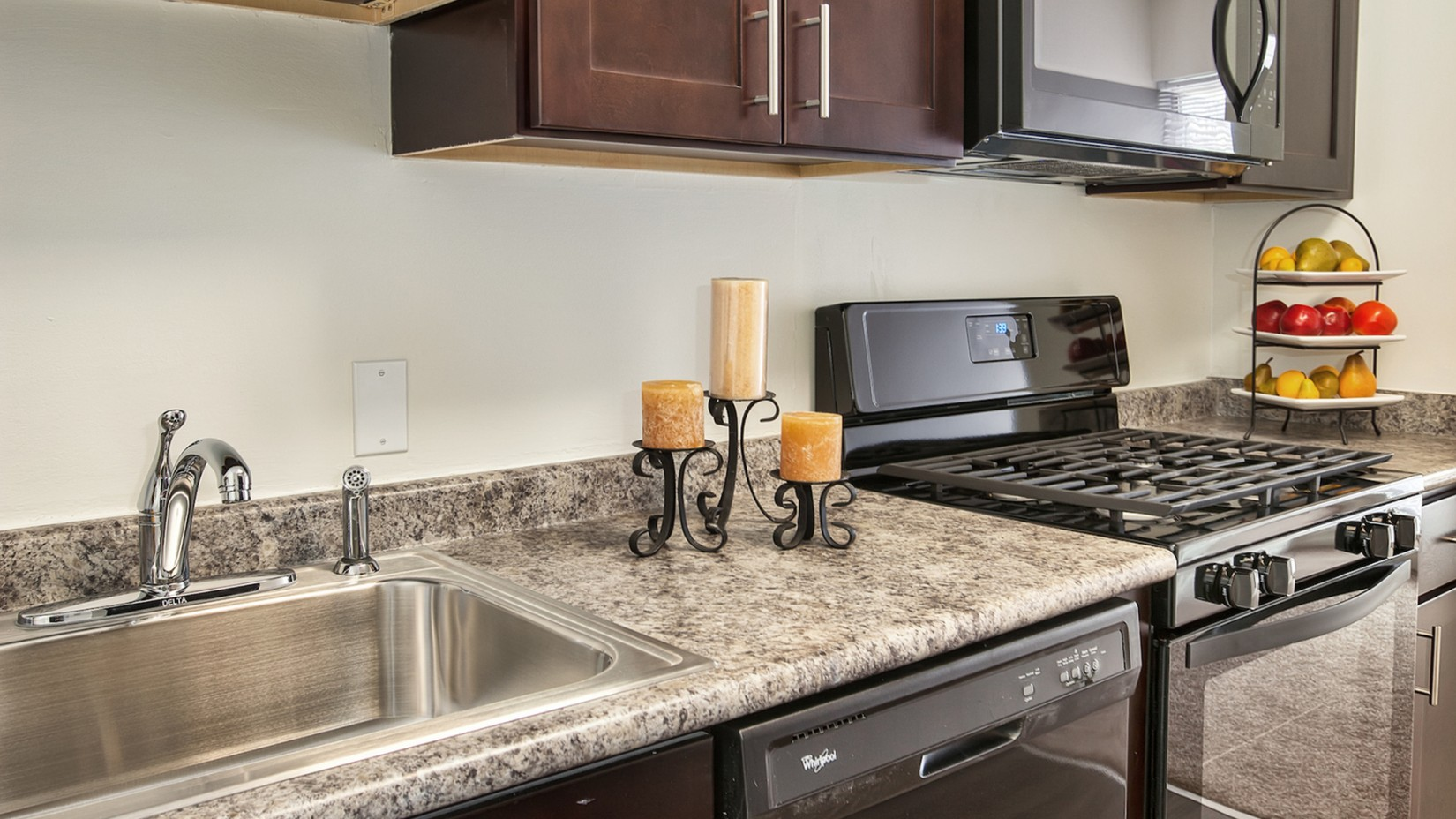 Modern Kitchen | Apartments For Rent In Harrisburg PA | Stonebridge Apartments