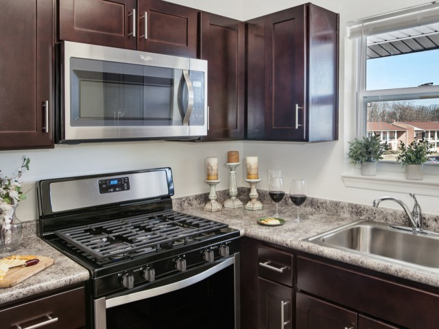 State-of-the-Art Kitchen   Pitman New Jersey Apartments   Holly Court