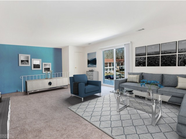 Spacious Living Room   Apartments in Pitman   Holly Court