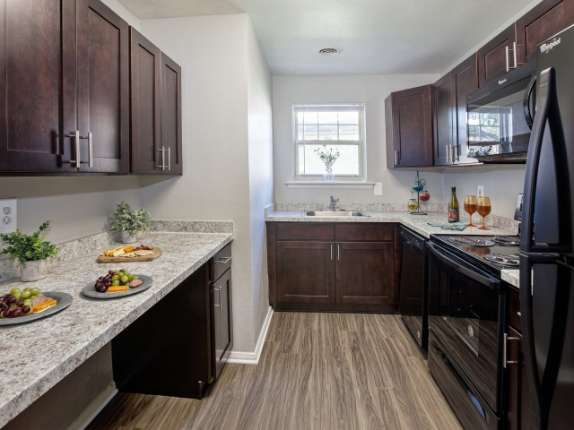 Newly Renovated Kitchens | Luxury Apartments In Newark Delaware | Hunters Crossing