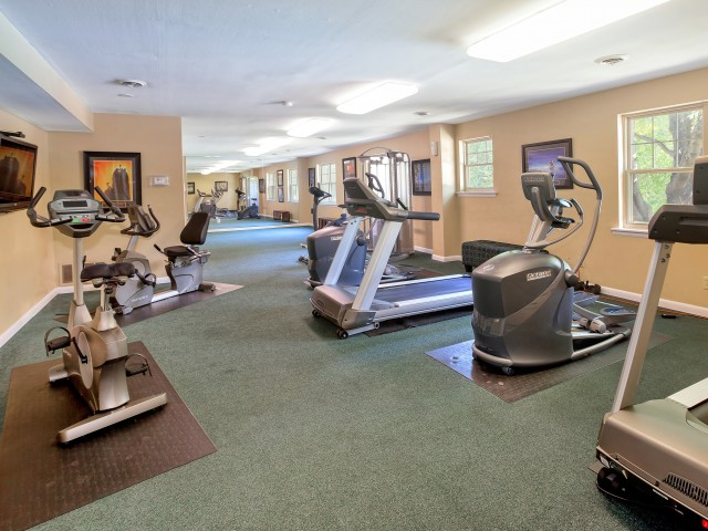 Onsite Fitness Center| Luxury Apartments In Newark Delaware | Hunters Crossing
