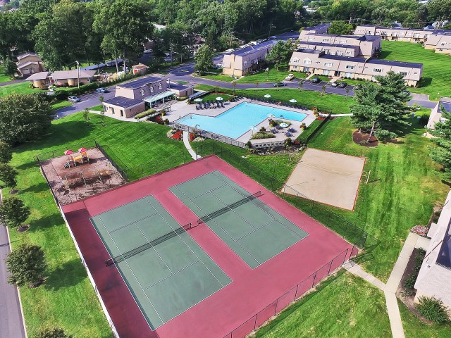 Tennis Courts | Apartments In Bensalem Pa |Franklin Commons