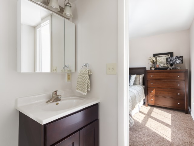 Luxurious Bathroom | Luxury Apartments Harrisburg PA | Mulberry Station