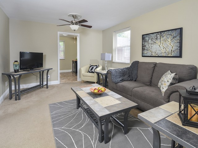 Elegant Living Room   Apartments In Pittsburgh PA   The Alden