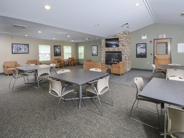 Resident Study Lounge   Apartments Near Downtown Pittsburgh   The Alden
