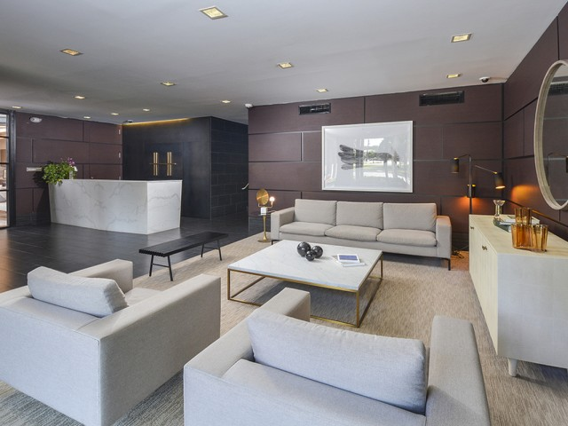 Welcoming Lobby and Lounge with Concierge | Somerset, NJ Apartments