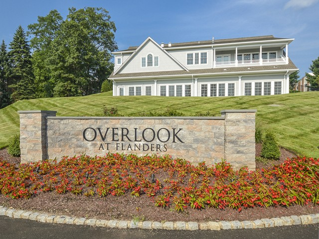 Flanders Apartment Community | Apartments For Rent In Flanders NJ | Overlook at Flanders