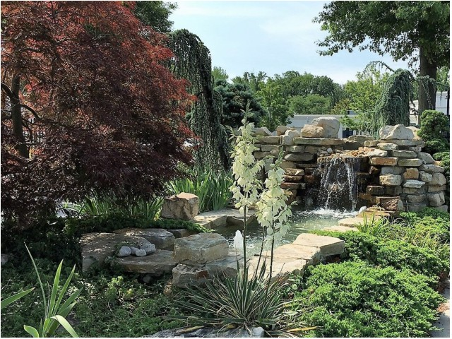 Flowing Fountain | Cherry Hill Luxury Apartments | Cherry Hill Towers