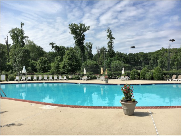 Sparkling Pool | Apartments In Cherry Hill NJ | Cherry Hill Towers