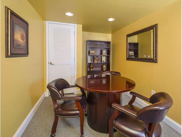 Resident Business Center | Cherry Hill Luxury Apartments | Cherry Hill Towers