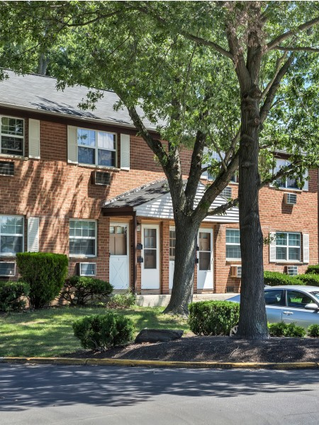Residents at AION Partners | Hi-Nella NJ Apartments
