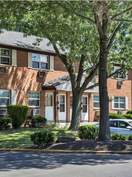 Residents at AION Partners   Hi-Nella NJ Apartments