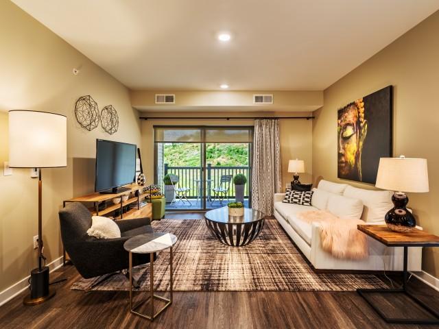 Luxurious Living Room | Pittsburgh Apartments | Cosmopolitan