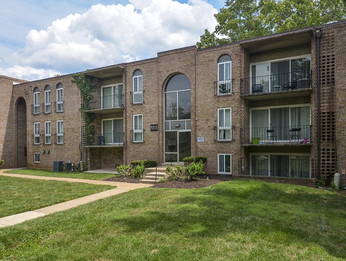Baltimore Apartments | Metro Pointe