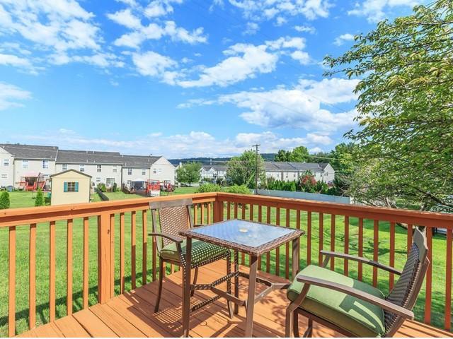Spacious Porch Area | Bethlehem PA Apartments | River Pointe