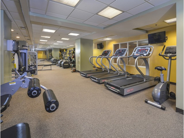 Cutting Edge Fitness Center | Cherry Hill NJ Apartments | Cherry Hill Towers