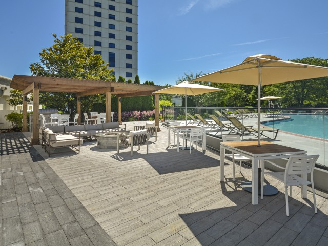 Community Patio and Sundeck| Luxury Apartments In Cherry Hill NJ | Cherry Hill Towers