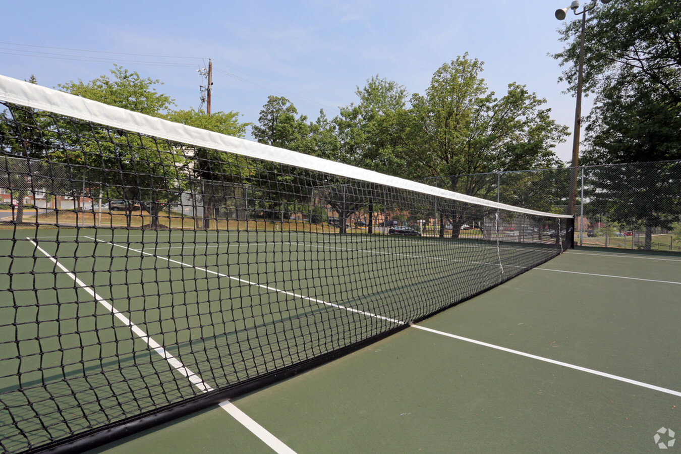 Nice tennis court exclusively available for The Flats at Columbia Pike apartment residents in Silver Spring, MD