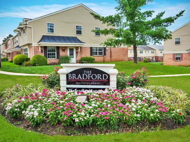 Apartment Living at The Bradford-image
