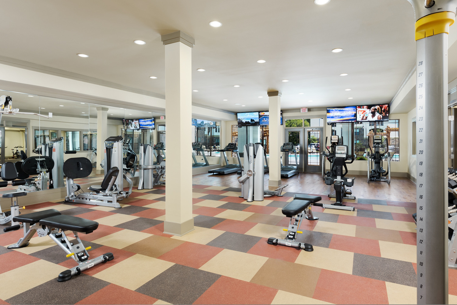Image of 24-Hour State of the Art Fitness Center for 4700 Colonnade