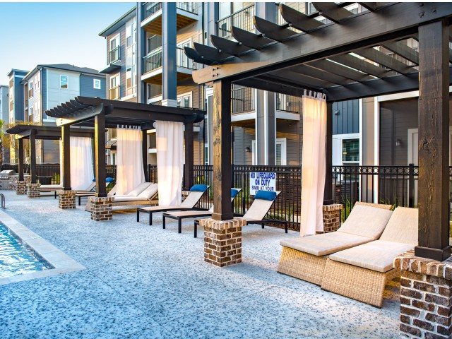 Resident Sun Deck | Apartments In Ladson Sc | The Lively Indigo Run