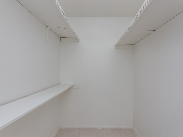 Image of Large Closets for Parkgreen on Gessner