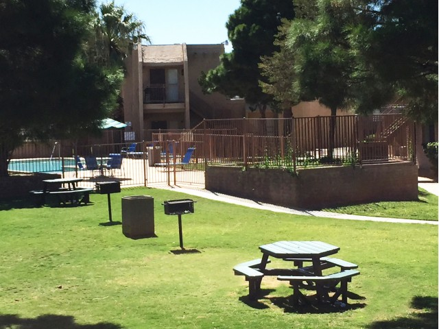 Image of Picnic/Grill Areas for La Estancia