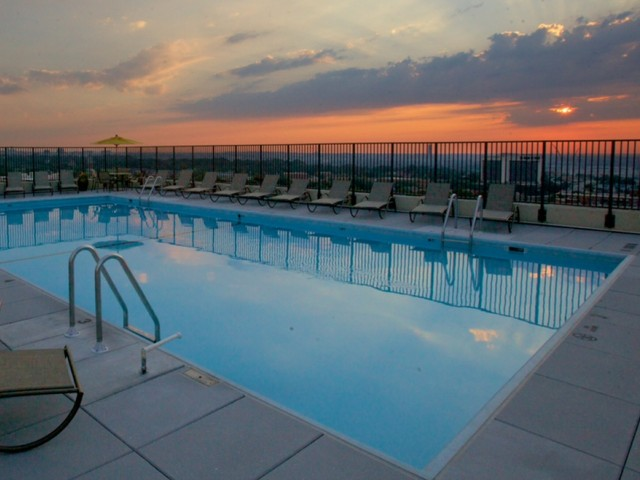 Image of Swimming Pool for 2200 Columbia Pike