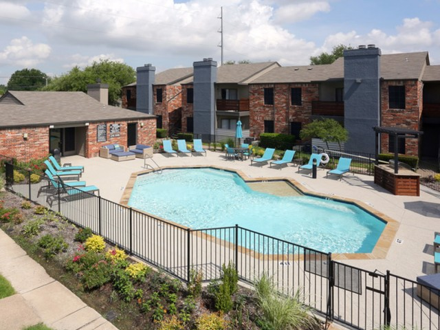 Image of Swimming Pool for Creekside on the Green