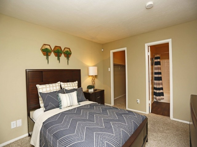 Image of Walk-in Closets for Summerwood Cove