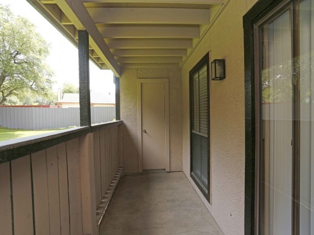 Image of Balcony for Summerwood Cove