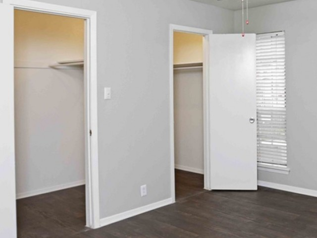 Image of Walk-in Closets for Belle Grove