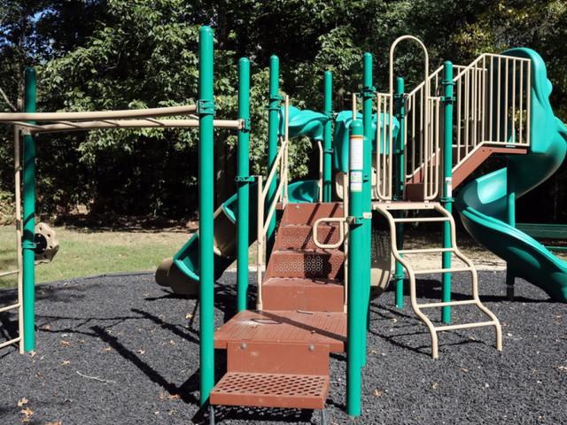 Image of Playground for Park at Oak Ridge