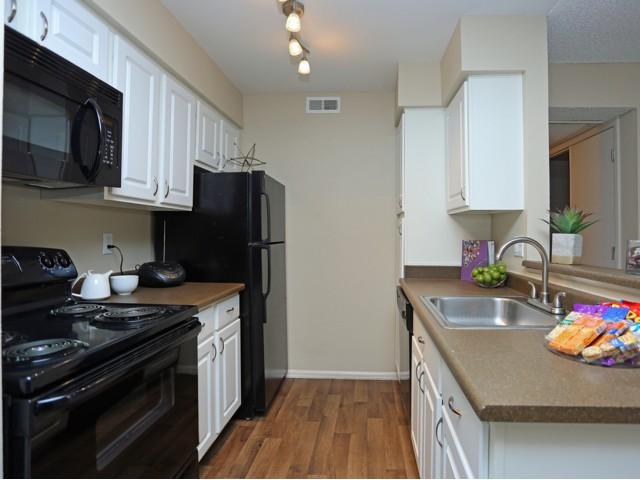 Elegant Kitchen   Colorado Springs CO Apartment For Rent   Antero