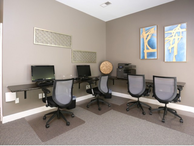 Community Business Center   Apartments in Winston-Salem, NC   Morgan Ridge