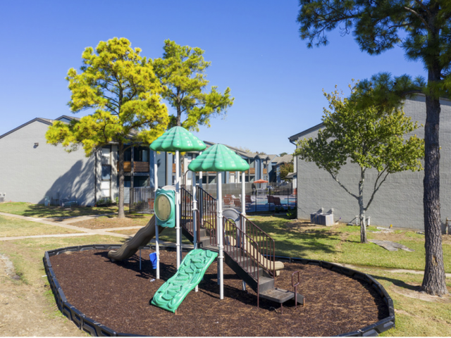 Resident Children\'s Playground | Apartment For Rent In Houston Texas | Steepleway Downs