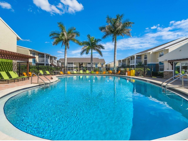 Image of Swimming Pool for Belleza Apartments