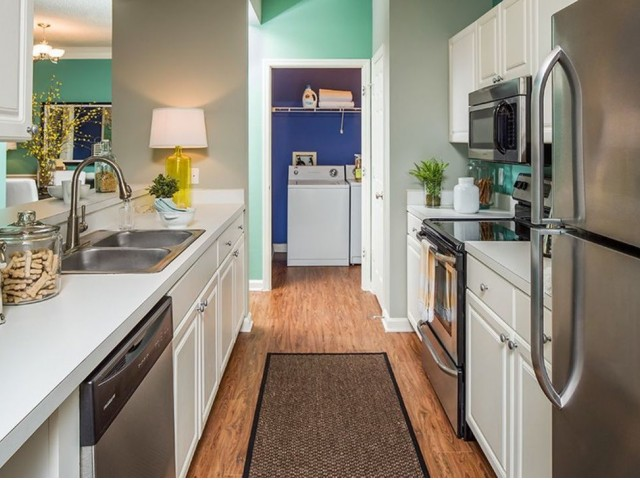 Image of Fully-Equipped Kitchen for Summer Cove Apartments