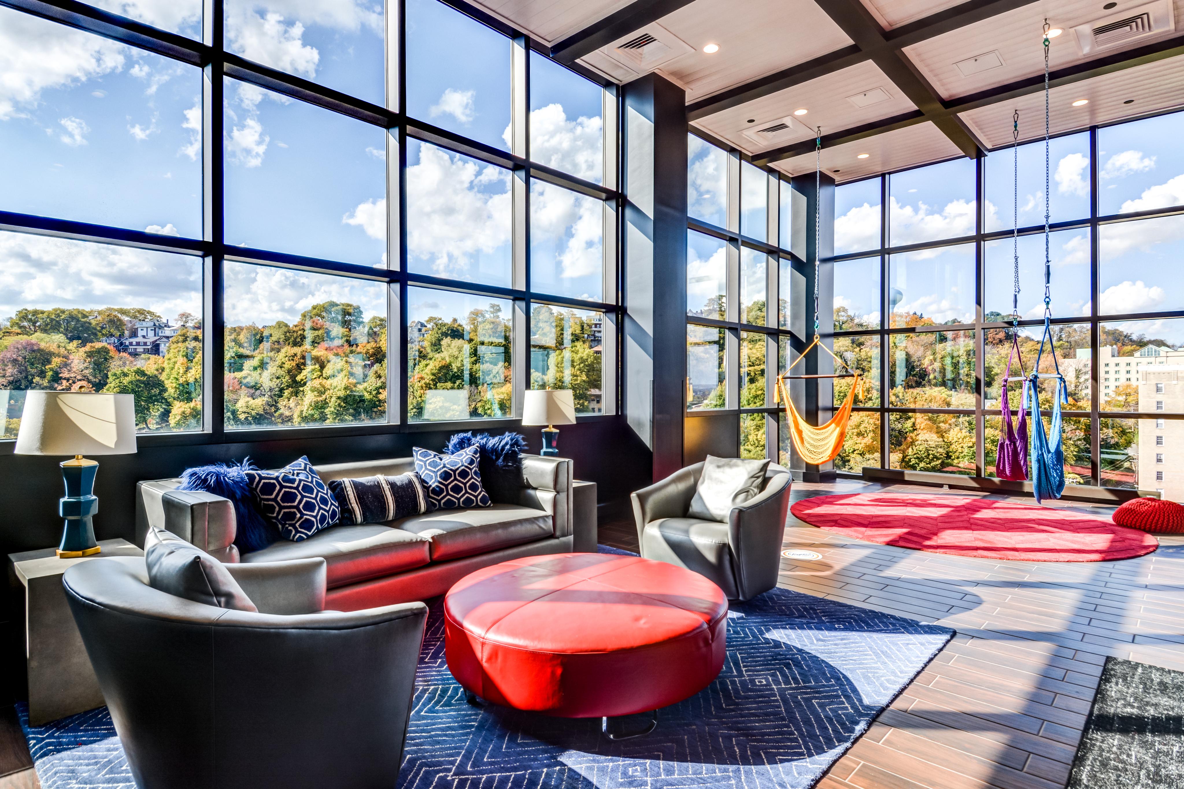 sky lounge swings