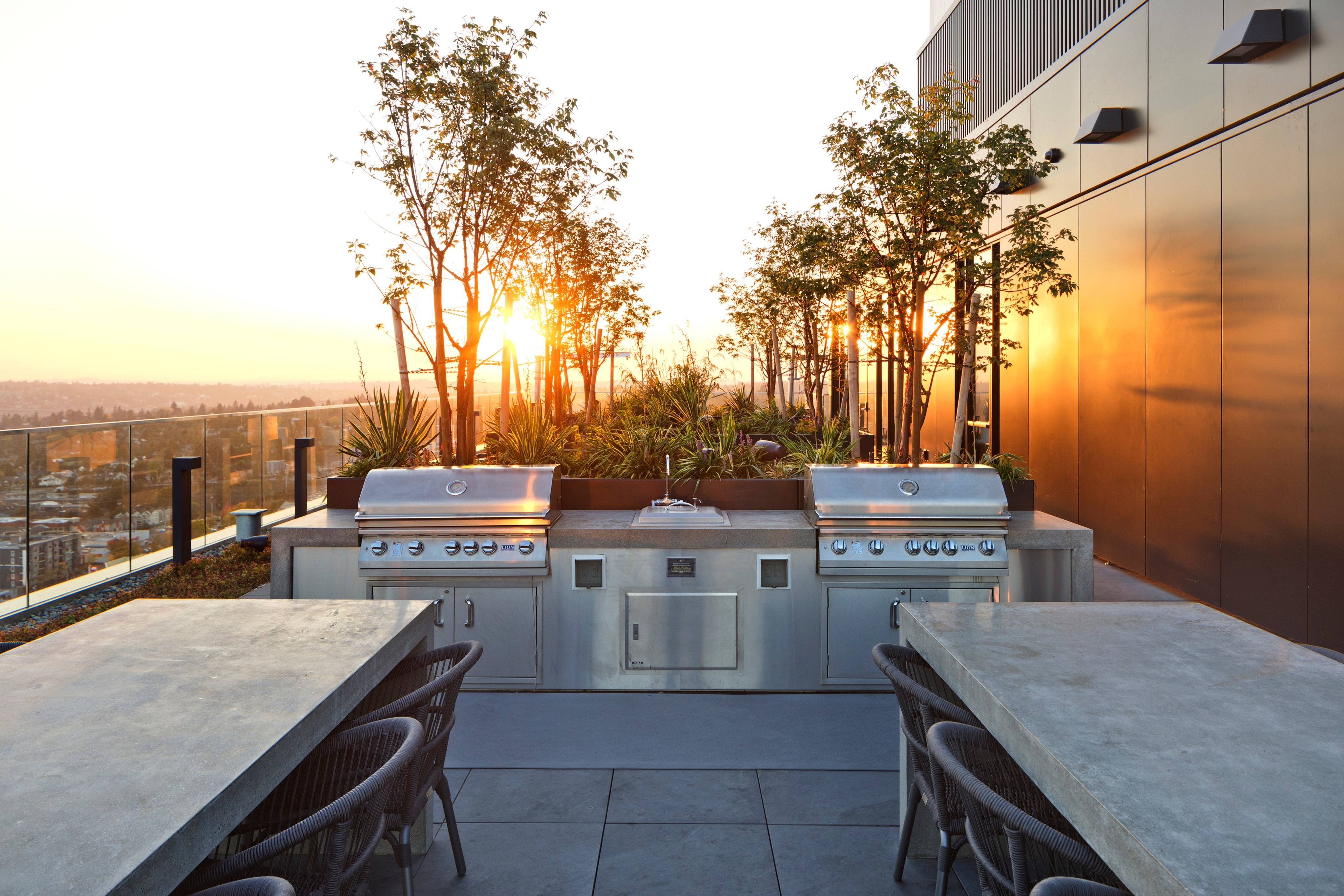 Sun Deck with Grills