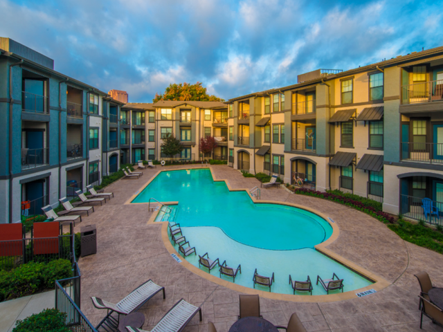 Image of 3 resort-style pools for Fitzhugh Urban Flats