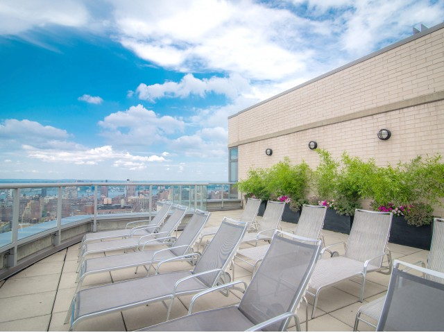 800 Sixth Apartments Rooftop Terrace